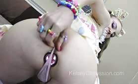Kelsey Obsession Farting with Anal Jewel